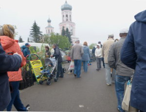 Den Markt wollten wir uns aber nicht entgehen lassen und trotz Regenwetters war er gut besucht.